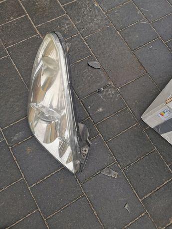 Lampa prawa przód przednia Corolla verso 05r. Europa
