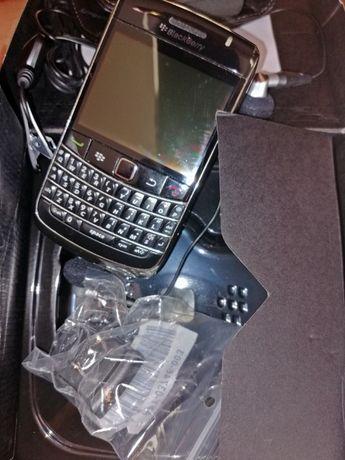 BlackBerry bold 9700 Samsung sgh e250 Sony Ericson z600