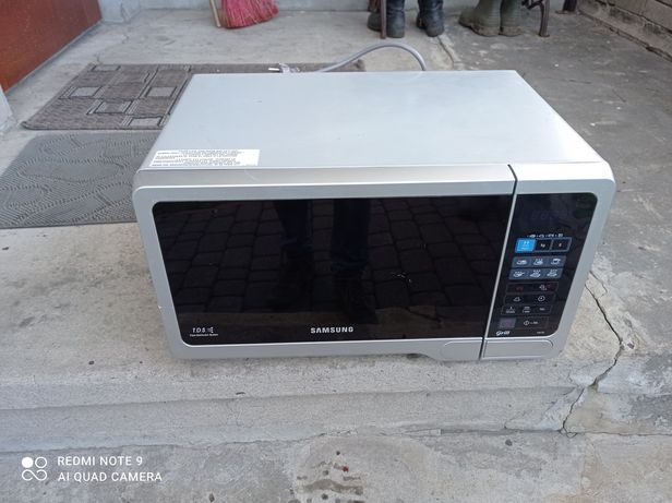Kuchenka mikrofalowa Samsung GW73E-SB