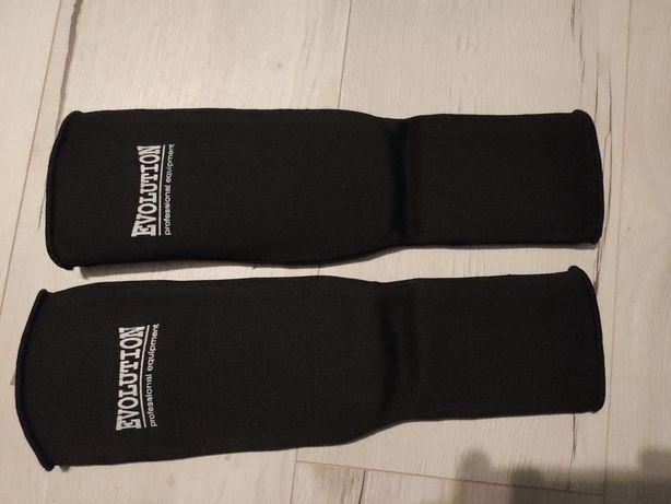 Ochraniacze na piszczele wraz ze stopkami, rozmiar M,Taekwondo,karate