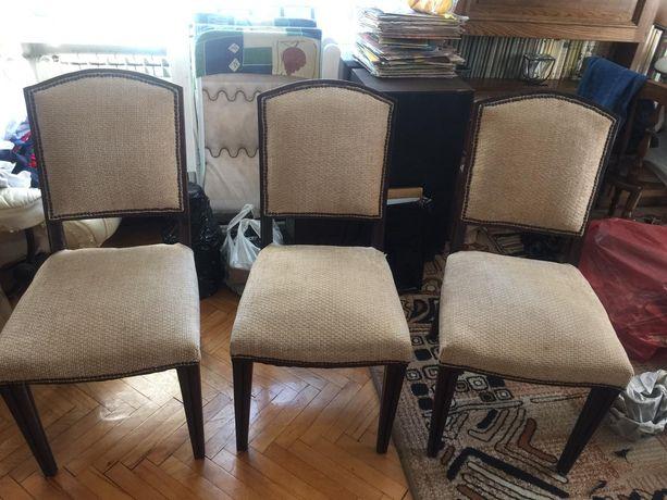 krzesła drewniane, tapicerowane