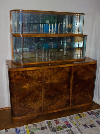 002 kredens - komoda z dwiema witrynami Art Deco - PRL 1962 rok