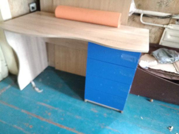 Детский письменный стол в наличии!!!