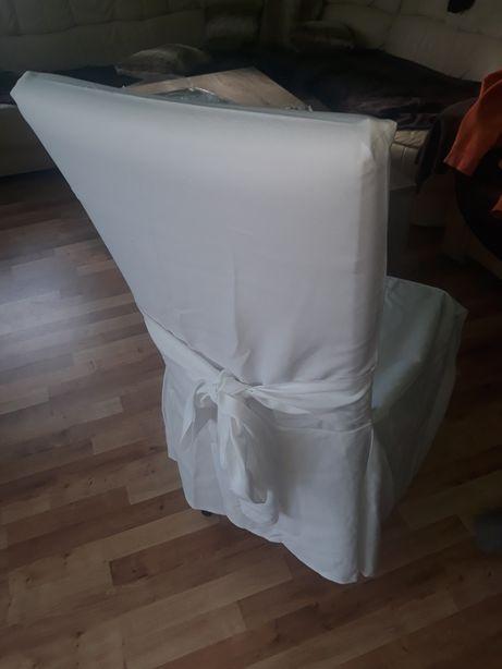 Pokrowce na krzesła z kokardą białe