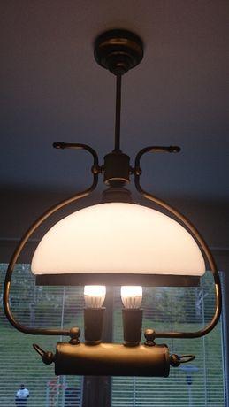 Stylowa klasyczna lampa wisząca