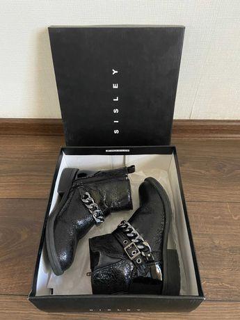 Ботинки черные на девочку Sisley