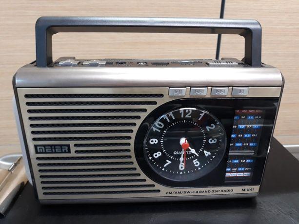 Radio z zegarem