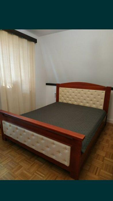 Łóżko drewniane lite drewno 160x200 skóra tapicerka pikowana Chełm - image 1