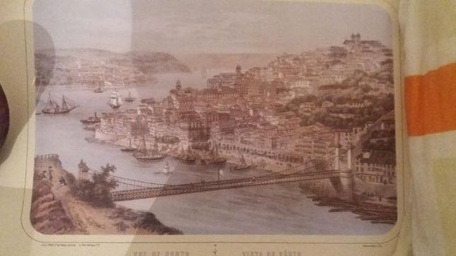 Vendo posters com ilustração da cidade do Porto