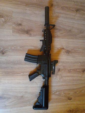 Replika M4 ASG + akcesoria
