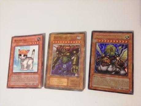 Deck de 37 cartas Yu-Gi-Oh (algumas ultra raras)