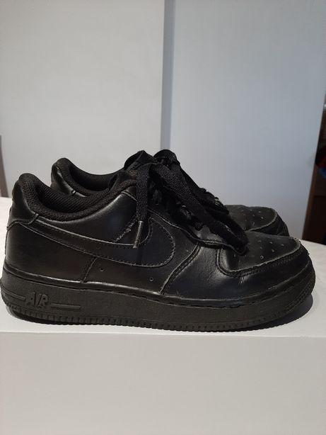Ténis Nike Air Force 1 pretos