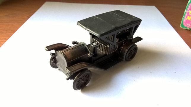 Carro antigo Afia Lápis