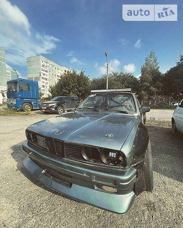 Продам BMW E30