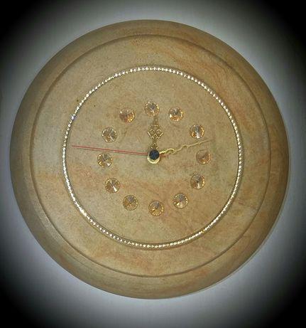 Часы настенные из природного камня