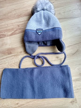 Komplet czapka i szalik. Stan idealny