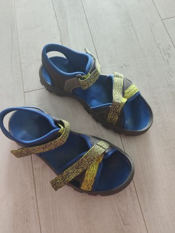 Sandały Decathlon 34/35