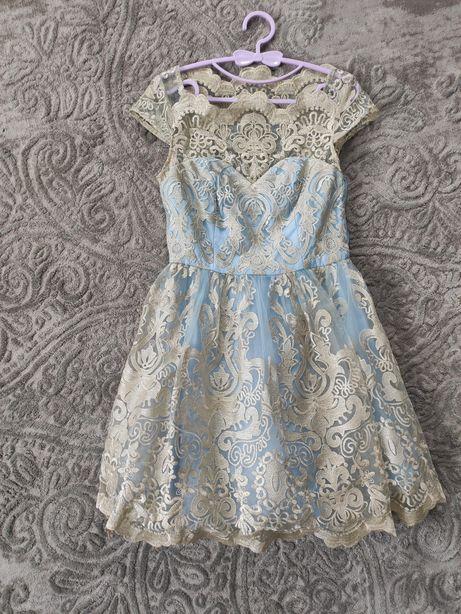 Кружевное платье  Chi Chi London