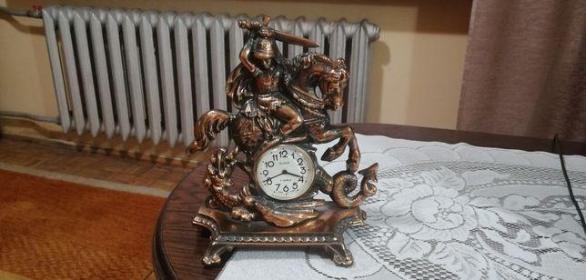 Stary miedziany ozdobny zegar.