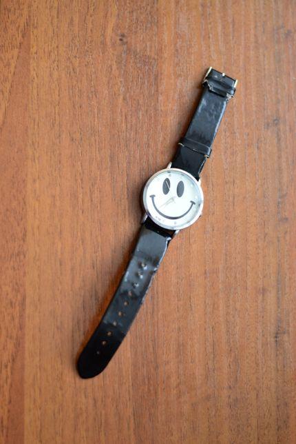 Часы наручные со смайликом
