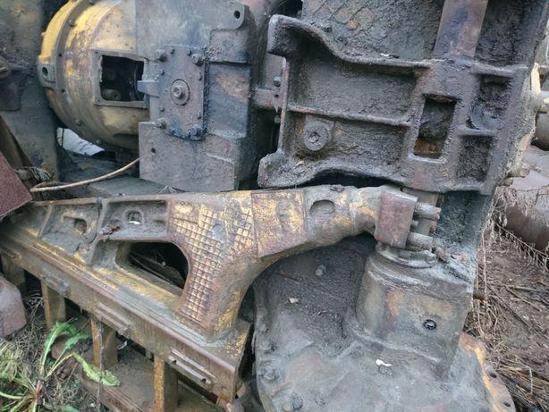 Запчастини для бульдозера Т-130.Коробка,роздатка,двигун,ресора.