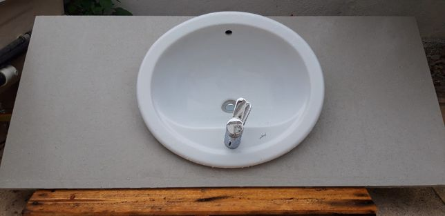 Bancada com lavatorio