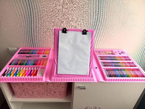 Чемодан большой набор для творчества рисования мольберт 208 предметов