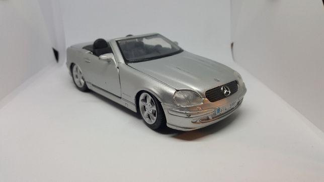 Mercedes-Benz SLK 1:24 model autko resoraki
