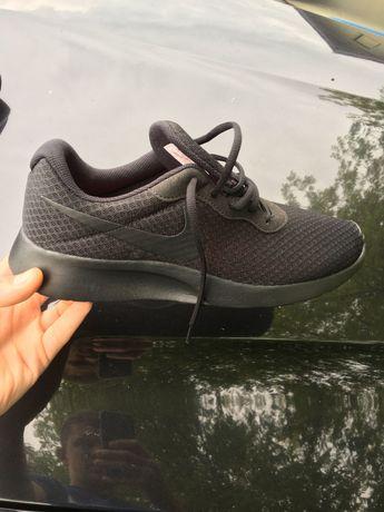 Кросівки Nike. Привезені із закордону