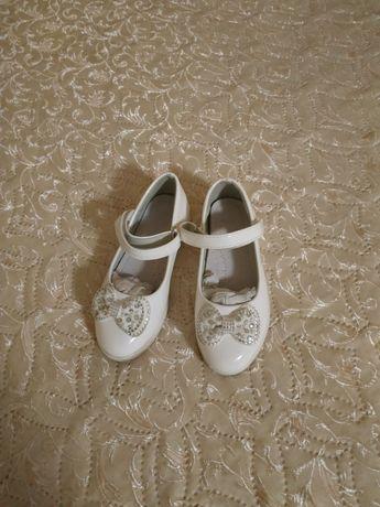 Белые туфельки Clibee