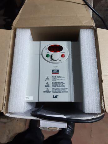 Частотний перетворючач IC5 2,2 квт.