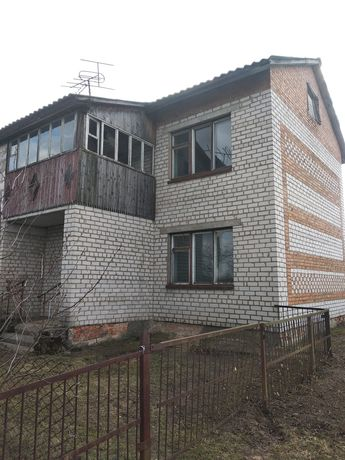 Продам квартиру в селі Ушомир
