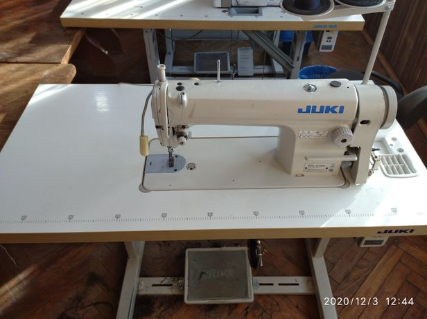 Продам промислові швейну машинку,прямострочки,універсалку