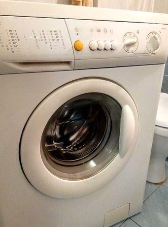 Продам стиральную машинку автомат.