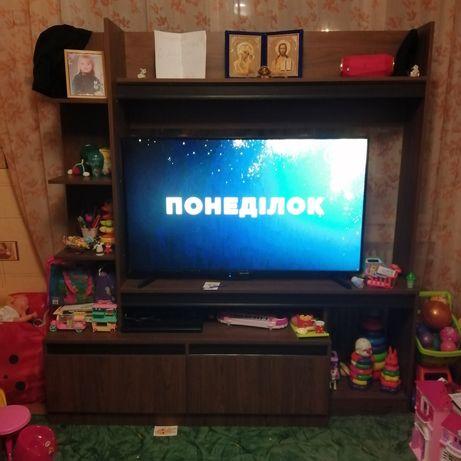 Стенка, тумба под телевизор.
