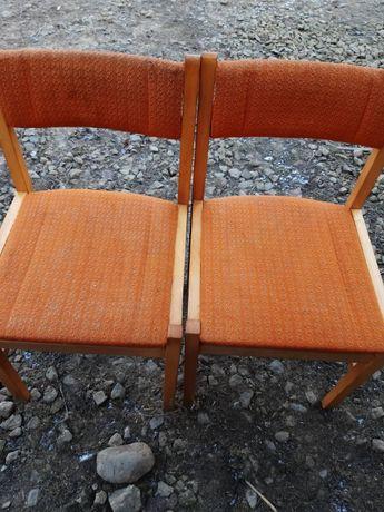 Używane krzesła bukowe