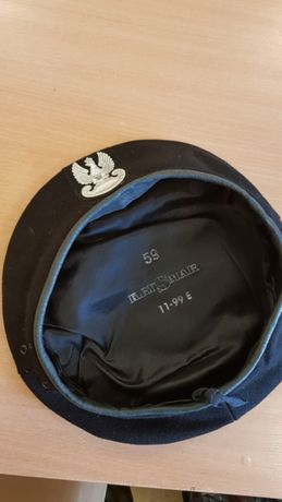 Nowy, czarny wojskowy beret WP