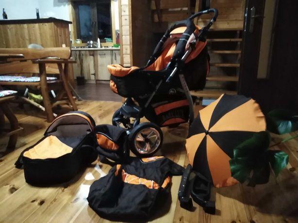 Wózek dziecięcy z akcesoriami