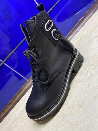 Продам ботинки,натуральная кожа