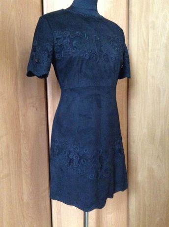 Платье из замши черное с вышевкой zara р.s