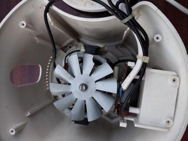 Кухонный комбайн. SM - 3700. Двигатель, блок управления и корпус.