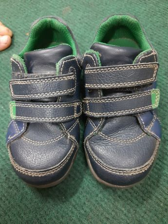 Туфли для мальчика кроссовки кожаные светяться фирма clarks