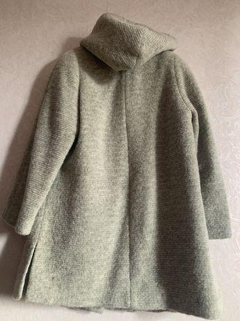 Пальто зимнее с капюшоном натуральная шерсть