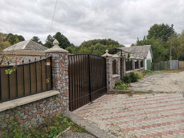 Продається житловий будинок в районі центра (вул.Миру) без%