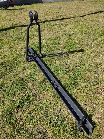 Suporte de bicicleta para barras de tejadilho