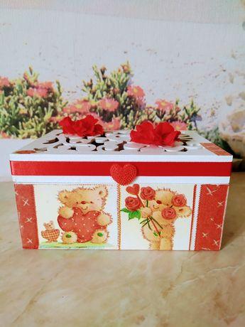 Подарочная коробка .
