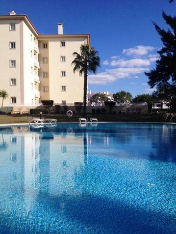Alugo ao mês T2 com piscina em Vilamoura