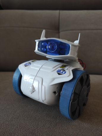 CyberRobot - robot sterowany telefonem