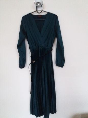 Sukienki S/M śliczne