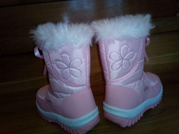 Продам нові зимові дитячі чобітки